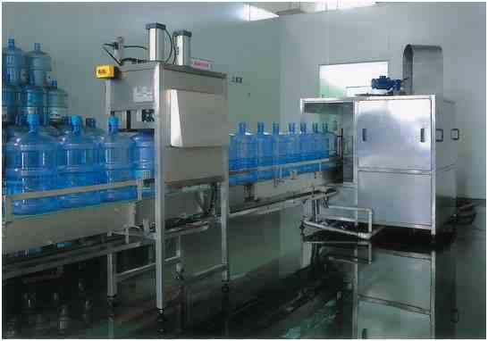 机|全自动大桶水灌装机|纯净水灌装设备生产厂家